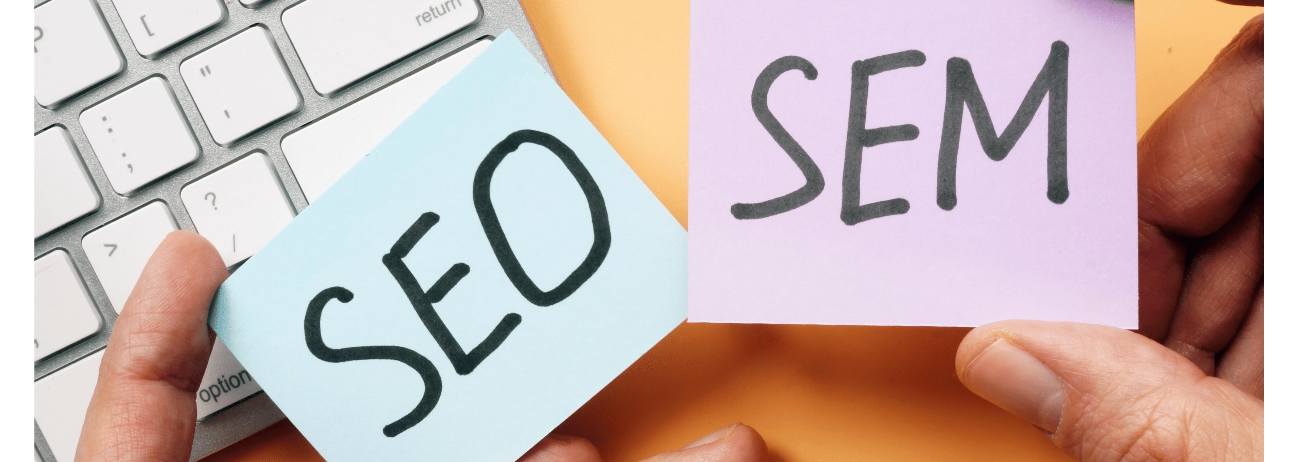 Quelle est la différence entre SEO et SEM ? by Searchbooster