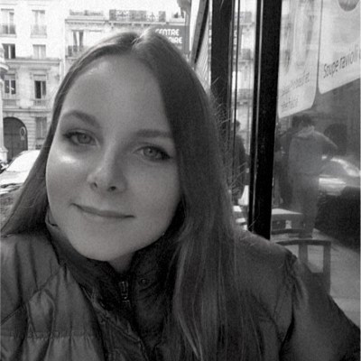 Pauline Directrice Artistique Searchbooster